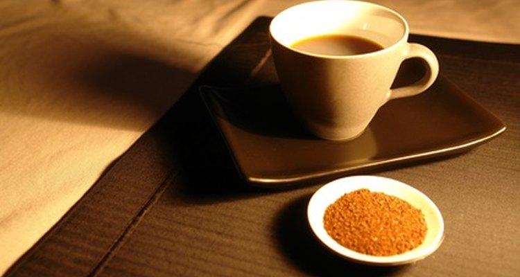 La cafetera Bialetti utiliza café molido para hacer café expreso en el hogar.