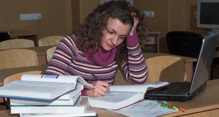 Un empleo después de la escuela dejará menos tiempo para estudiar.