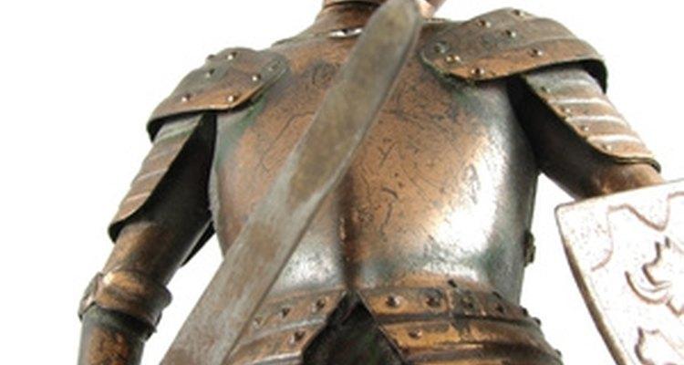 Com prática e as ferramentas certas, você pode fazer sua própria armadura