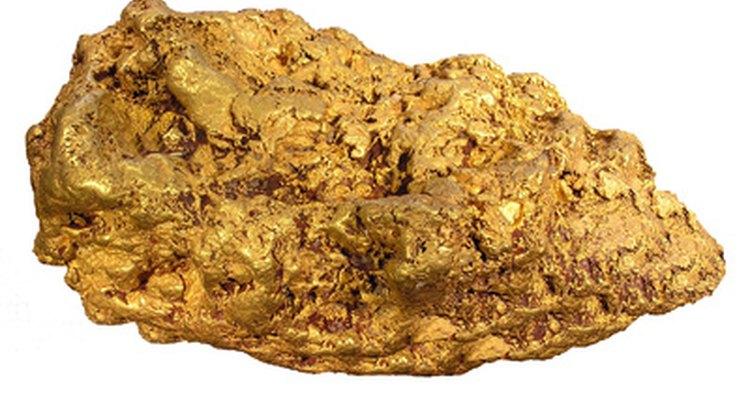 A febre do ouro levou à confecção das primeiras dragas de ouro, a partir de peças comuns