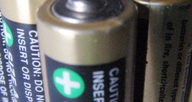 Pilhas com vazamentos são uma causa comum de corrosão em terminais eletrônicos