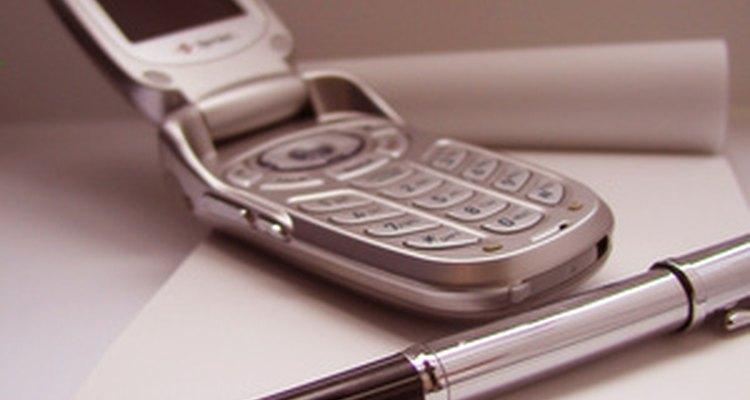 Un teléfono celular resulta ser una grabadora de voz muy útil durante una entrevista, después de haber informado a tu fuente.
