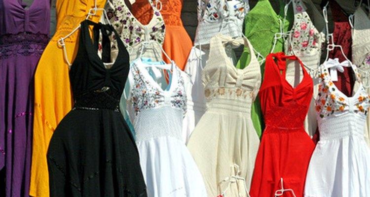 Muitas roupas usadas no México são variações de trajes tradicionais