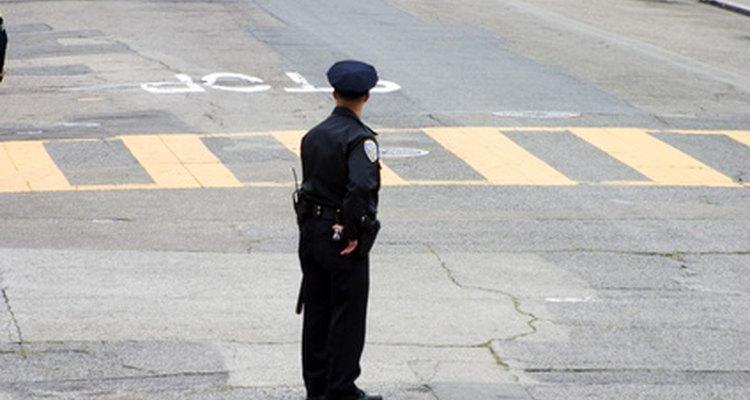 Hay cinco principales requisitos para convertirse en un policía de Chicago.