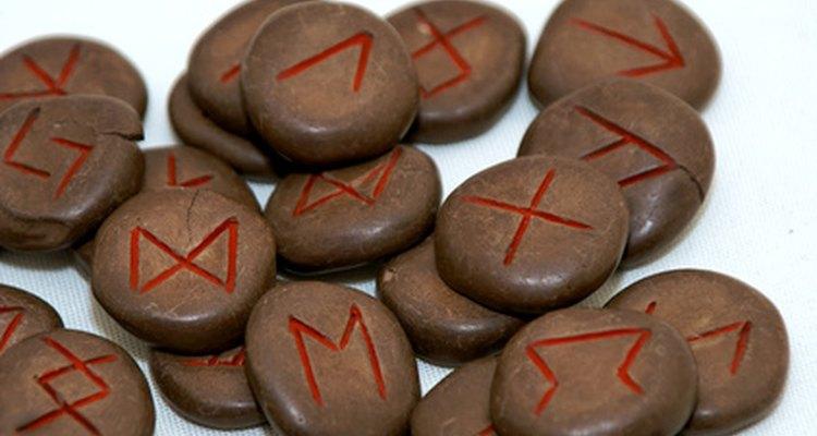 Las runas son un instrumento que muchos psíquicos usan para enfocar su habilidades.
