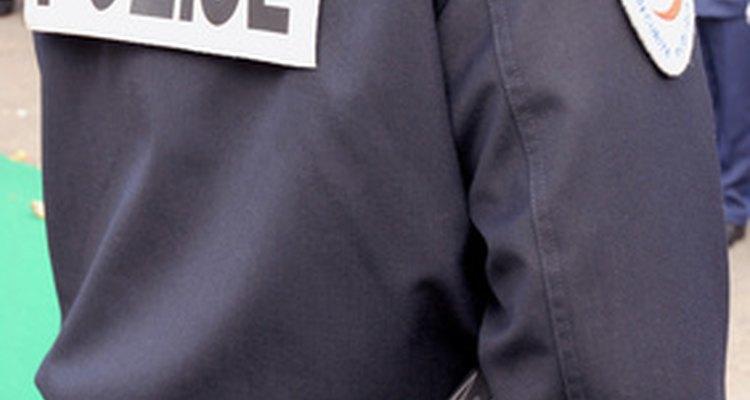Si un reporte de policía está disponible para el público, la ciudad de Phoenix te ayudará con tu búsqueda.