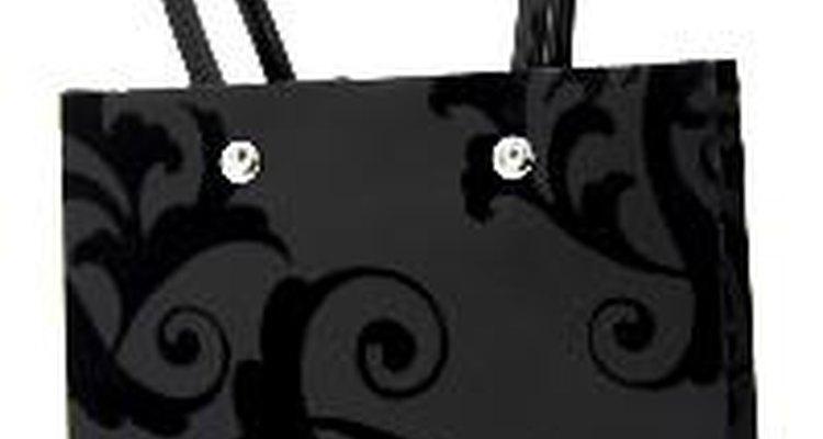 Aprende qué distingue a un bolso Dooney & Bourke verdadero de una imitación.