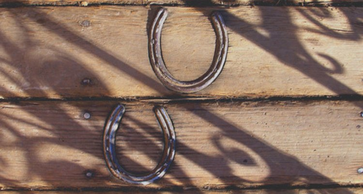 Horseshoes can be used as decorations.
