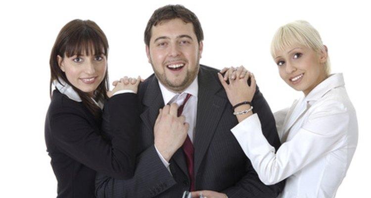 Existe uma variedade de sinais que sugerem que o seu chefe gosta de você