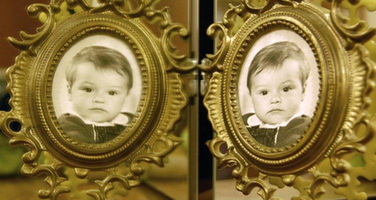 Compre presentes apropriados para gêmeos que economizem o tempo dos pais