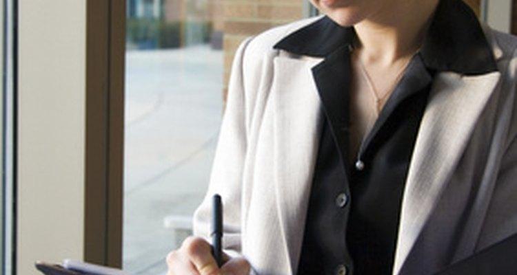 Uma pessoa profissional sabe como se dirigir a profissionais de outras áreas, como advogados