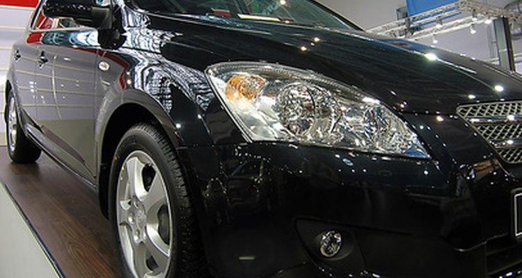 As imperfeições parecem ainda mais visíveis em carros pretos