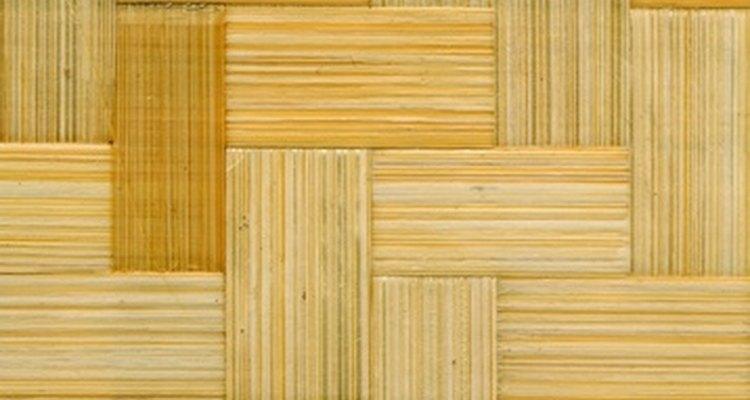 En qué dirección se debe colocar un piso de madera.
