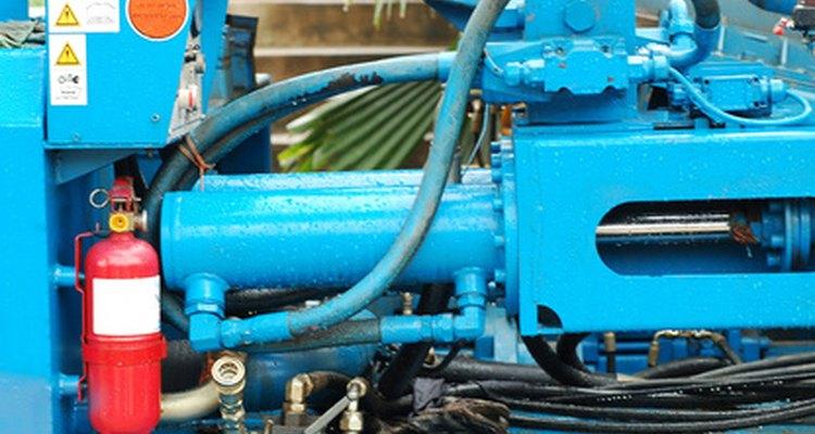 Os sistemas hidráulicos centrais bombeiam os fluídos através de circuitos centrais