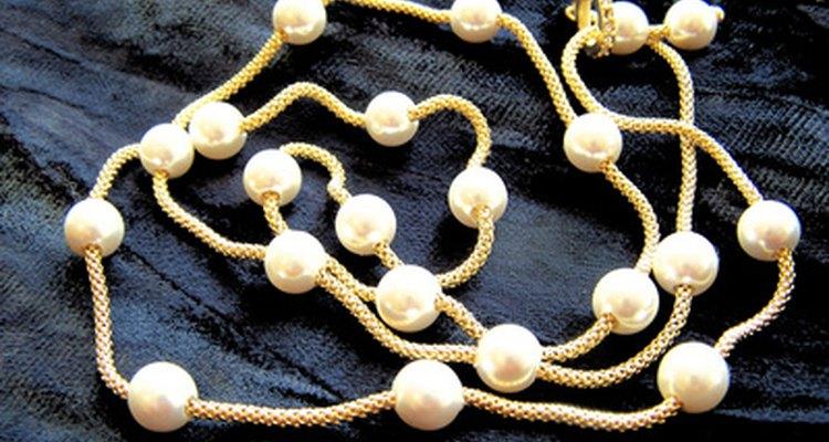 Las perlas son las joyas tradicionales para un aniversario de bodas 30.