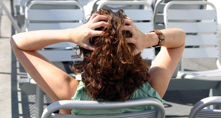 Produtos com álcool cetílico ajudam a prevenir o ressecamento do couro cabeludo