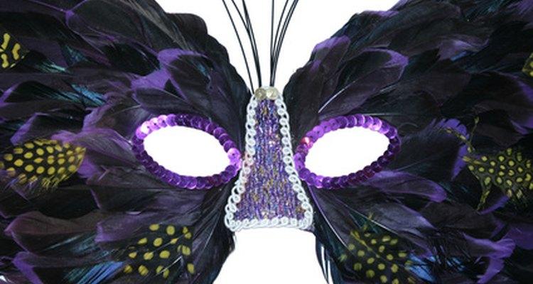 Don your mask and enjoy an evening of fun masquerade activities.