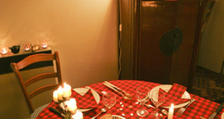 El romance y la sorpresa son claves para hacer que una cena o una excursión de aniversario sea especial.