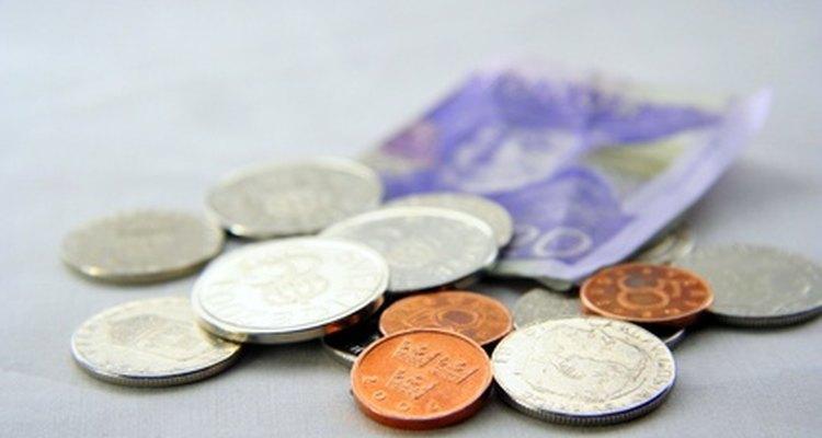 La escasez, del dinero y otros recursos, es un hecho central de la economía.