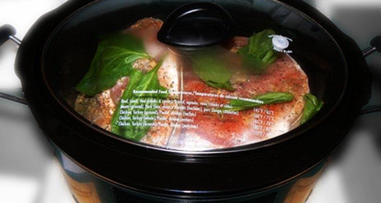 Descongelar alimentos em uma panela de pressão pode levar à perda do sabor