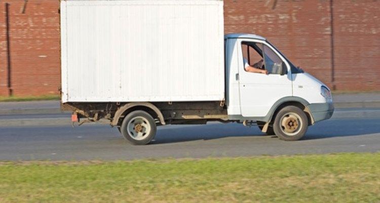 El envío por camiones es un método de transporte por tierra que lleva tiempo.