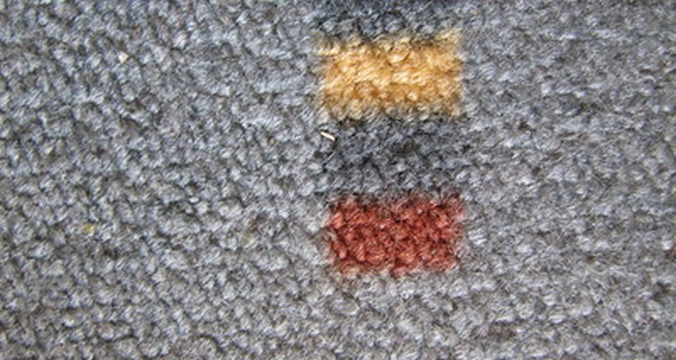Gray carpet looks attractive with a number of hues.
