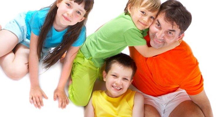 Los padres tienen el derecho de solicitar la custodia total de sus hijos.