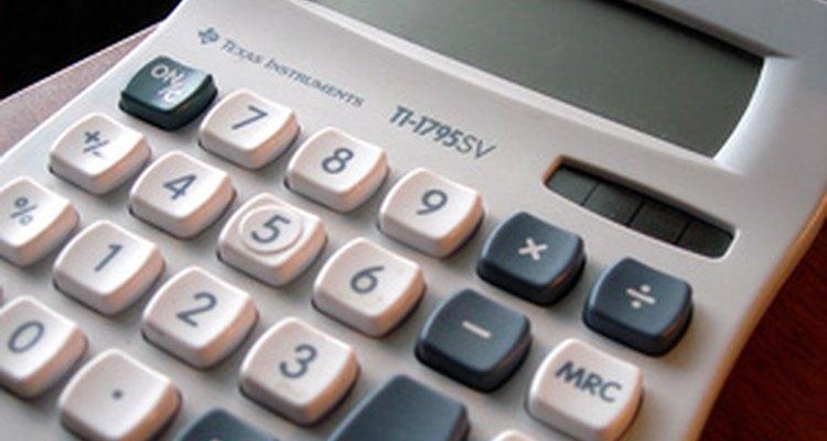 Uma calculadora básica contribui com os cálculos das notas ponderadas