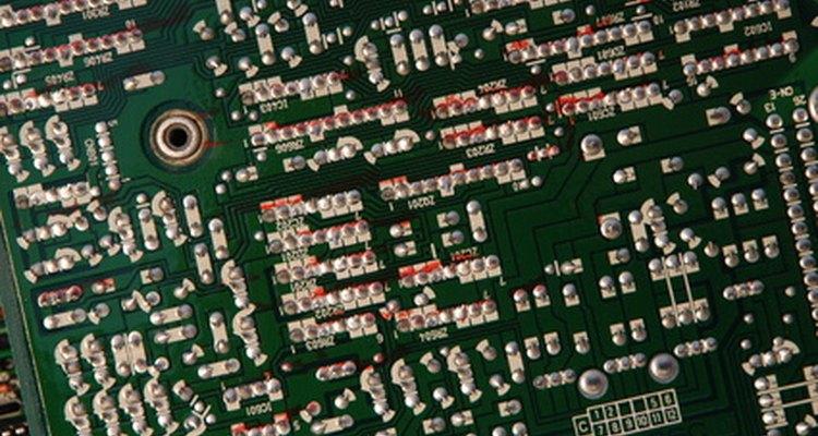 Artigos de semicondutores são processadas por essa ferramenta de engenharia
