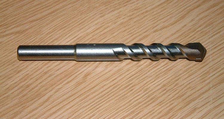 Las brocas de albañilería son necesarias para hacer orificios en el concreto.