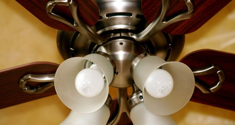 Com o tempo, os rolamentos dos ventiladores de teto podem ficar desgastados
