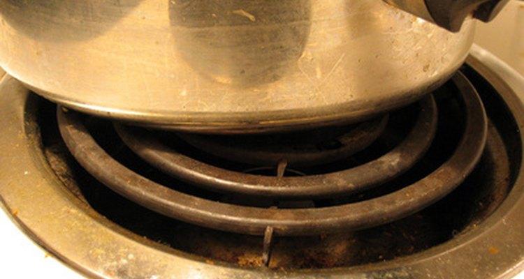 Tanto las placas de inducción como las infrarrojas son más eficientes en cuanto a energía que las bobinas sólidas.