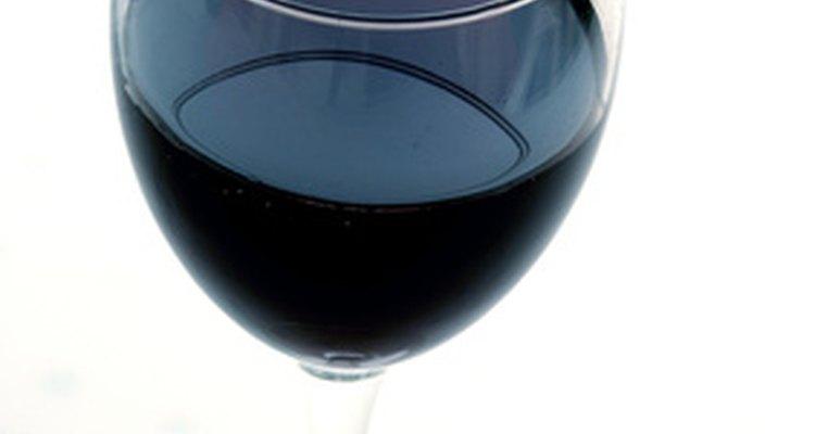 Manchas de vinho tinto podem ser removidas do couro