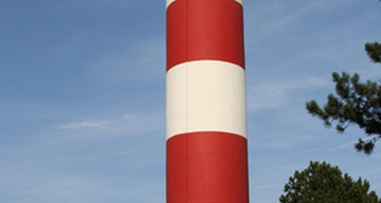 Children can create a colourful lighthouse craft with a little help from an adult.