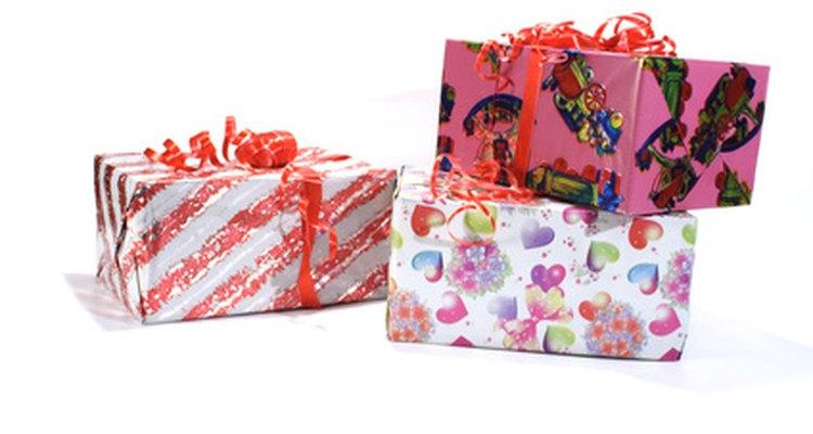 No tienes que gastar mucho dinero para darle a tu novio un regalo especial.