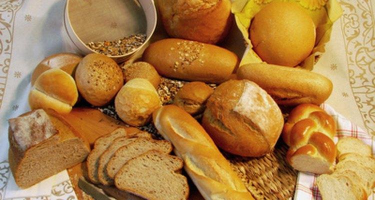 Los tipos de pan francés tradicionales se venden en las boulangeries de toda Francia.