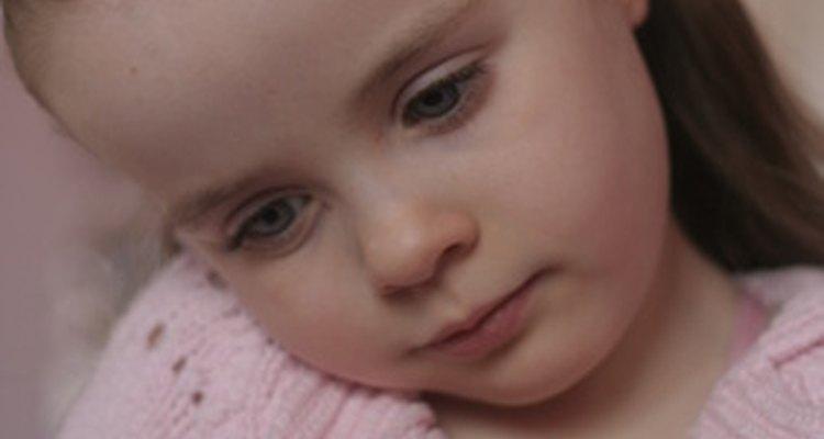 Actuar las emociones permite a los niños identificar y examinar los sentimientos en un ambiente seguro.