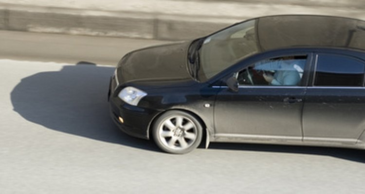 Ajuste a altura da embreagem do Toyota Corolla