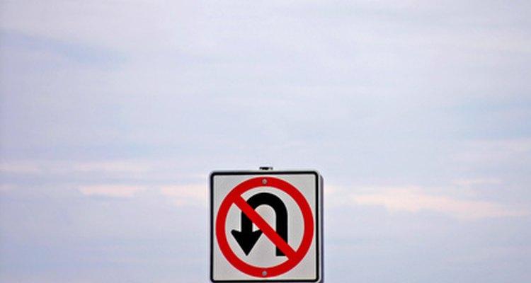 Las señales de tráfico pueden simbolizar los diferentes problemas que pueden presentarse en la vida y ser una buena ayuda para la enseñanza.