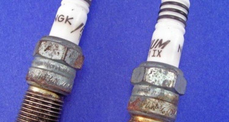 Gasolina em velas de ignição pode levá-las a um mau funcionamento ou mesmo destruí-las
