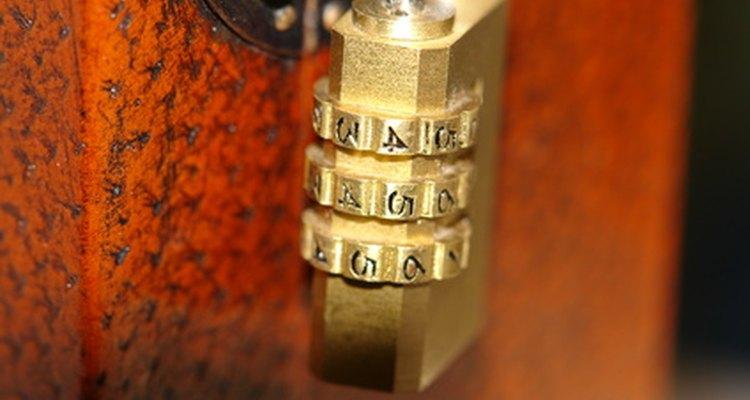 Redefina a combinação em seu cadeado de bagagem TSA para que você não precise comprar um novo