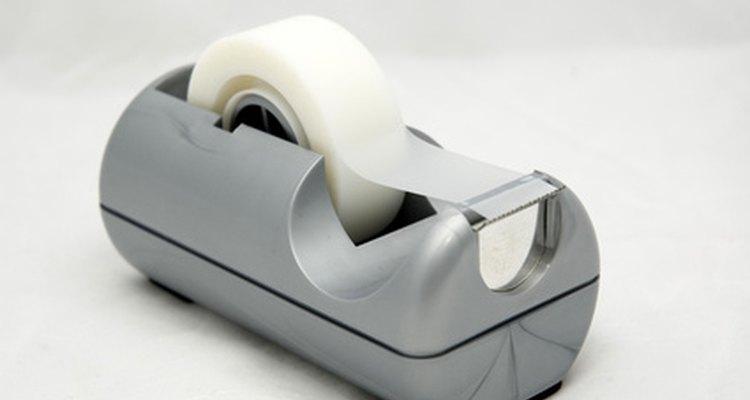 Feche o embrulho com fita adesiva