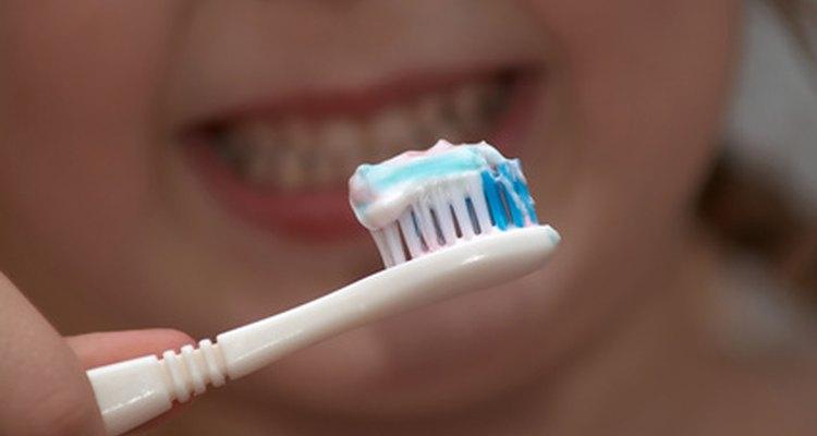Las actividades ayudan a los niños con necesidades especiales a aprender la higiene bucal.