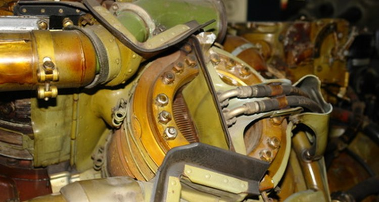 Los mecánicos diésel se centran en los vehículos diésel.