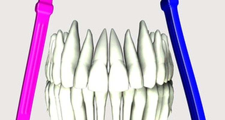 El uso de dentaduras puede provocar dolor en las encías.
