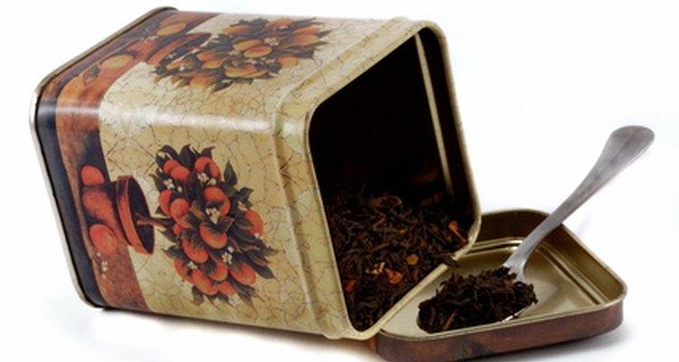 Una cucharadita de té en hebras debería ser la cantidad justa.