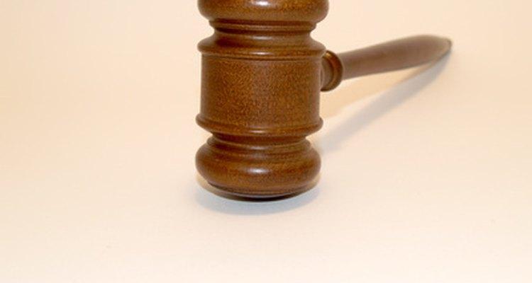 Carreras relacionadas con las leyes.