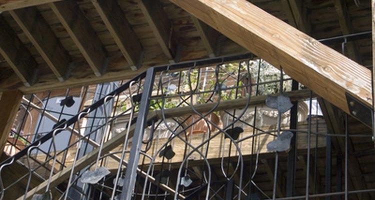 Las vigas de madera varían en tipo y apariencia.