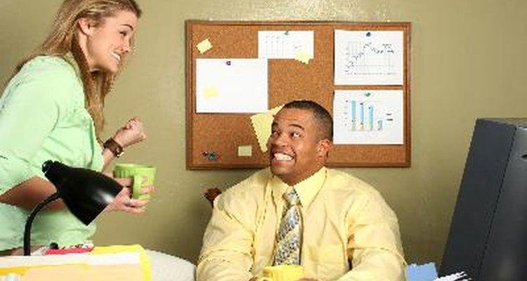 En tu trabajo puedes conocer a alguien que te atraiga.