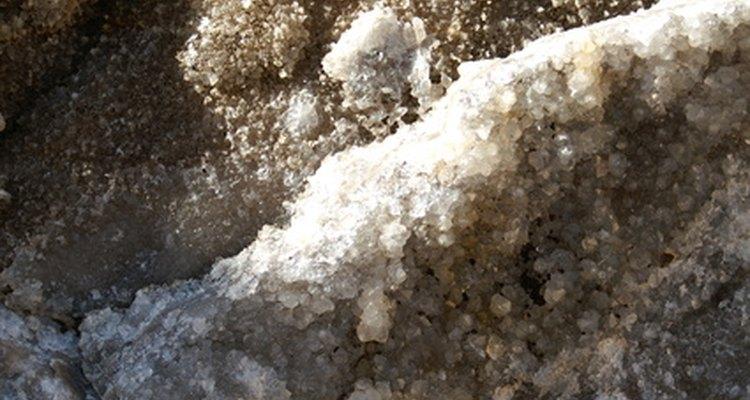 A gipsita é uma rocha extraída da terra